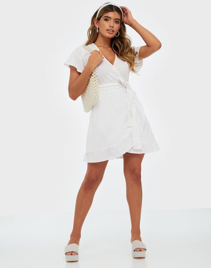 Wrapklänning från Nelly.com